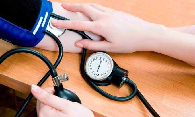 Процедура рекомендуется тем людям, у которых наблюдается повышение или снижение артериального давления