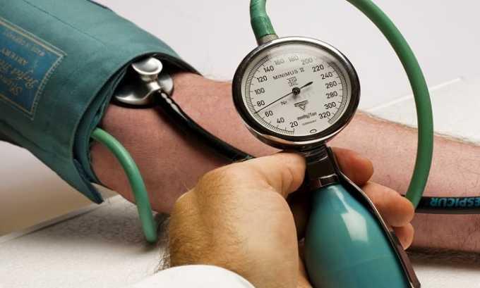 При повышенном артериальном давлении одновременный прием 2 гормонов противопоказан