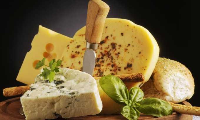 Сыр содержит йод, который очень полезен для щитовидной железы