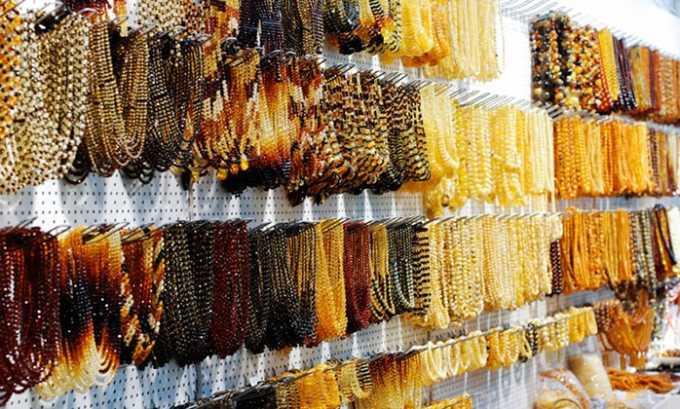 При покупке желательно отдать предпочтение бусам, которые состоят из камешков различной величины.