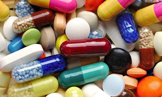 В зависимости от заболевания, способствующего снижению уровня тиреотропного гормона до очень низких значений, могут применяться антибиотики, иммуностимуляторы и антигистаминные средства