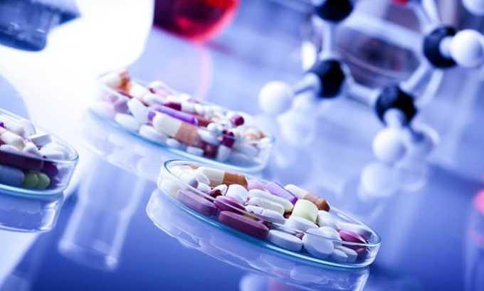 Прием медикаментов поможет нормализовать гормональный баланс и оградить от опасных осложнений — бесплодия и рака железы
