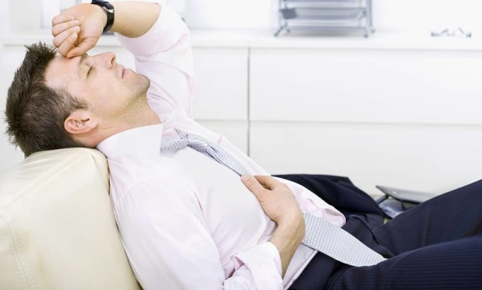 Слабость во всем теле - симптом при значительном росте щитовидной железы