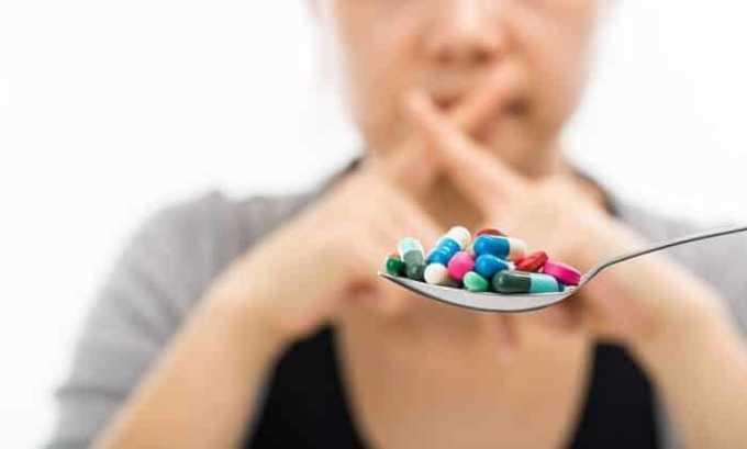 Неправильный прием гормональных препаратов может стать причиной аутоиммунного тиреоидита