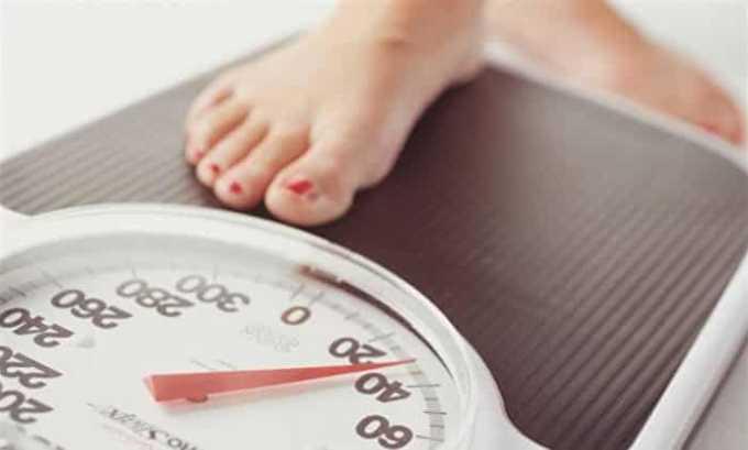 Проблемы с щитовидной железой часто проявляются в увеличении веса