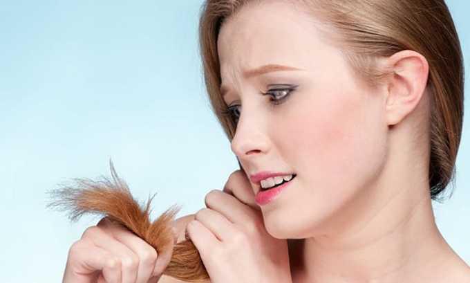 У беременной при изменении концентрации гормонов в щитовидной железе могут начать выпадать волосы