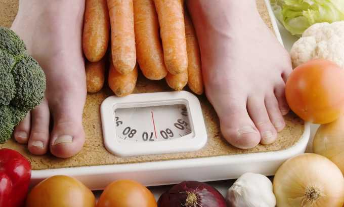 У большинства людей, страдающих нехваткой йода, наблюдаются изменения в весе