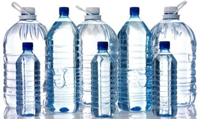 Перед применением состава все компоненты нужно развести кипяченой или дистиллированной водой, чтобы не получить ожоги