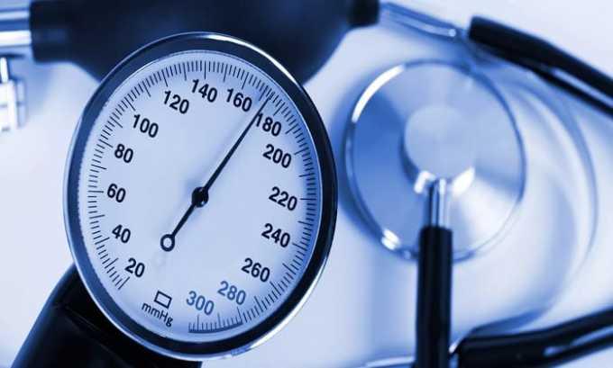 Иногда на фоне приема препарата пациенты жалуются на высокое давление