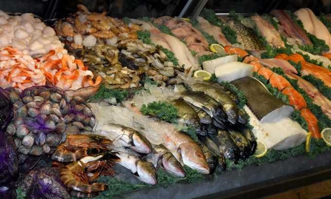 Так же необходимы и морепродукты.