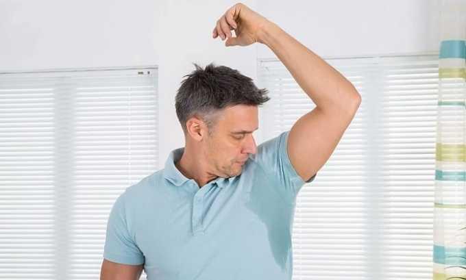 Препарат вызывает побочное явление в виде повышенной потливости