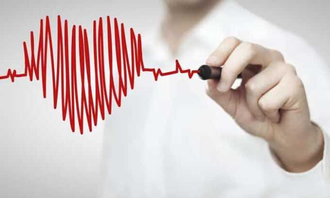 Побочным эффектом препарата могут стать повышение давления и иные нарушения сердечной и сосудистой системы