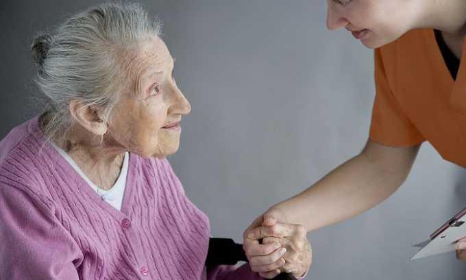 Разрешается применять препарат, но с осторожностью в пожилом возрасте