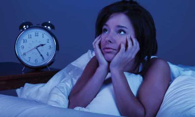 Лекарство затормаживает процессы ЦНС, из-за чего пациент легче погружается в сон