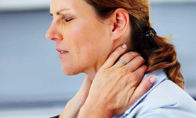 При симптоматическом лечении хронического гипертиреоза назначают по таблетке лекарства трижды в день