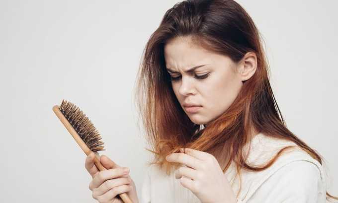 При наличии проблем с щитовидной железой ухудшается состояние кожи, ногтей и волос