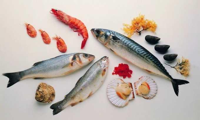 Рацион человека, столкнувшегося с заболеванием щитовидки, должен быть богат морскими продуктами