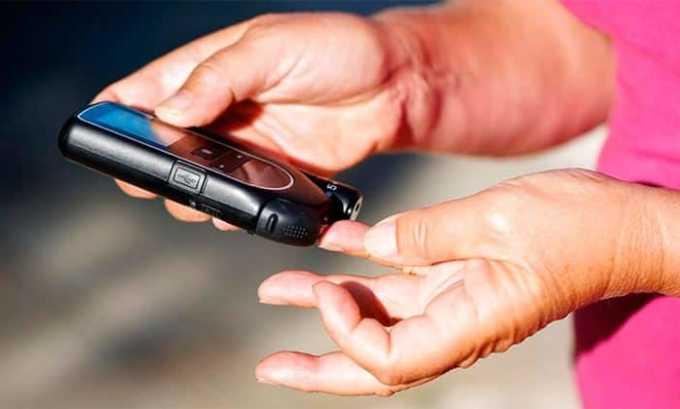 Повышение уровня сахара и холестерина в крови - одно из побочных действий Дексаметазона