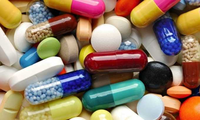 Ослабление действия медикамента наступает при сочетании с эстрогенами (женскими гормонами)