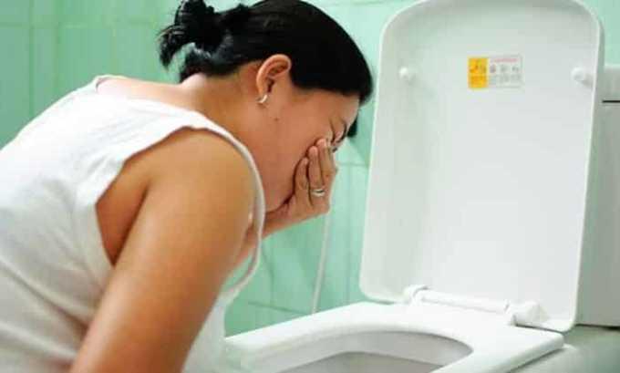Больного часто беспокоят приступы тошноты и рвоты