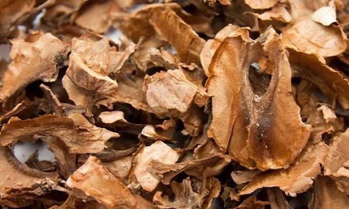 В народной медицине применяют спиртовую настойку на основе перегородок грецкого ореха