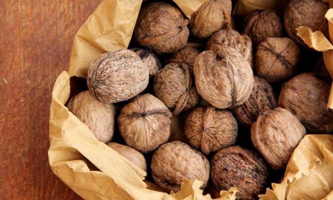 Одним из самых эффективных продуктов для лечения болезней щитовидной железы является грецкий орех