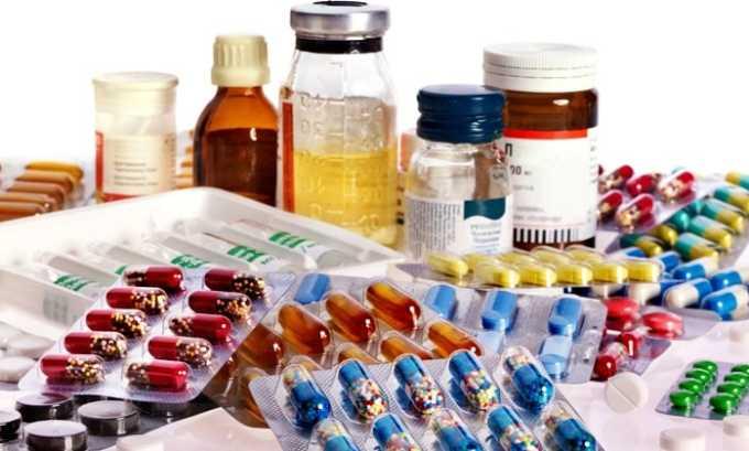 Гормональное лечение подразумевает использование тиреостатиков, подавляющих активность органа и снижающих чувствительность организма к тиреотропным гормонам