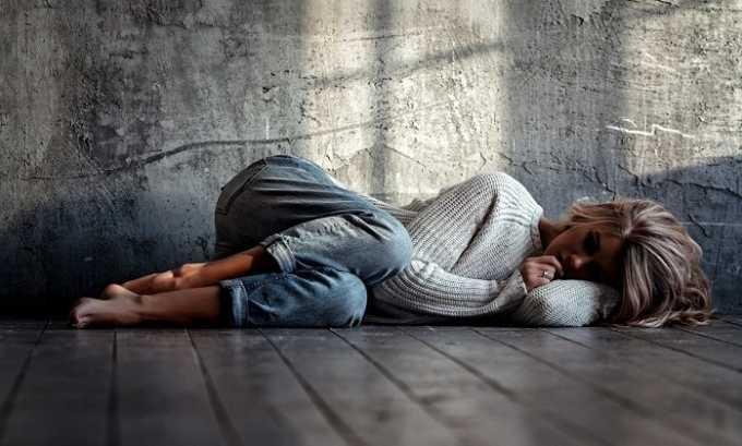 При использовании лекарства можно столкнуться с таким отрицательным проявлением, как депрессия