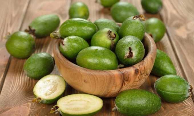 Плоды фейхоа богаты водорастворимыми соединениями йода, что очень полезно для лечения щитовидной железы