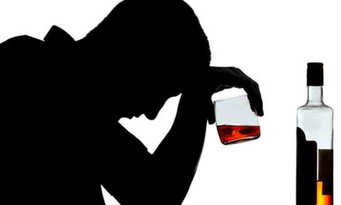 У взрослых причиной первичного гипотиреоза становится злоупотребление алкоголем