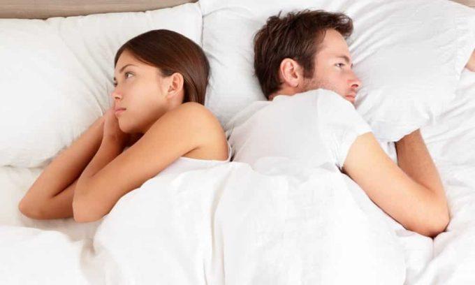 Послеоперационный гипотиреоз у женщин проявляется в виде бесплодия, у мужчин — в снижении потенции