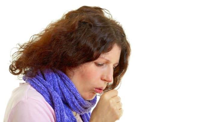 Кашель - симптом после удаления щитовидной железы у женщин