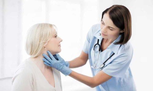 Женщины больше подвержены заболеваниям щитовидной железы, чем мужчины