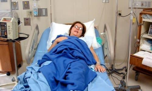 Присвоить инвалидность могут, если сильно нарушено здоровье в результате болезни либо тяжелой травмы