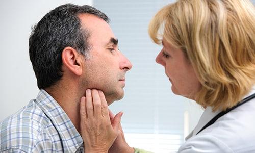 В основном гипотиреоз можно назвать процессом, при котором наблюдается недостаток гормонов, так необходимых щитовидной железе