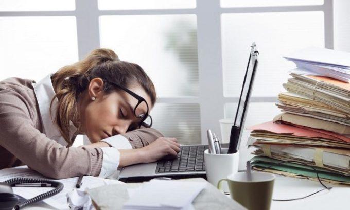 Быстрая утомляемость может свидетельствовать о наличии проблем с щитовидной железой