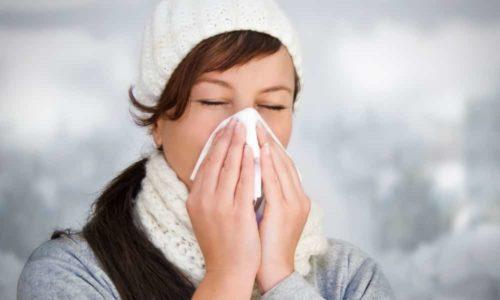 Врач не назначает УЗИ при простуде, т. к. щитовидная железа воспаляется под действием инфекции, и результаты диагностики могут быть недостоверными