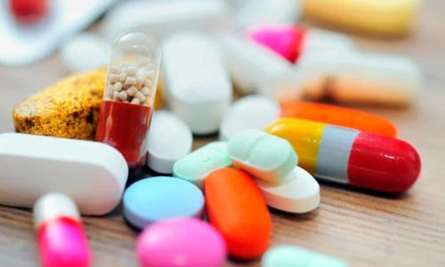 Чаще всего для лечения подострого тиреоидита используется медикаментозная терапия