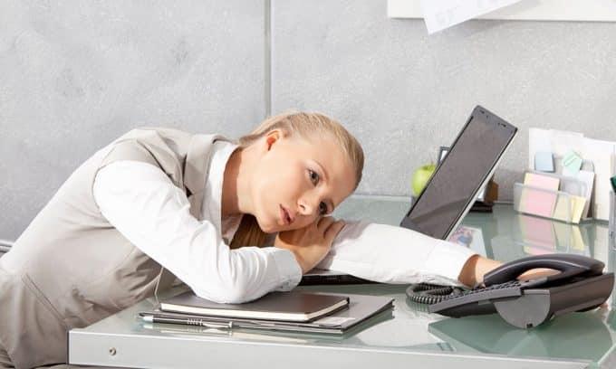 Симптомом тиреотоксического зоба может быть постоянная усталость