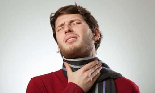 У такого органа, как щитовидная железа, симптомы заболевания у мужчин мало чем отличаются от тех, что присущи женской половине