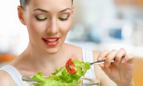 Людям, которые страдают гипотиреозом, стоит соблюдать достаточно строгую низкокалорийную диету