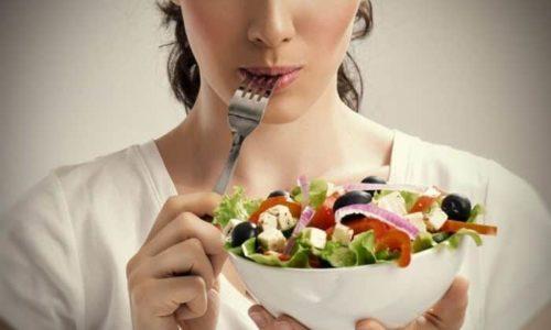 При аденоме щитовидной железы следует полностью пересмотреть образ жизни и свое питание