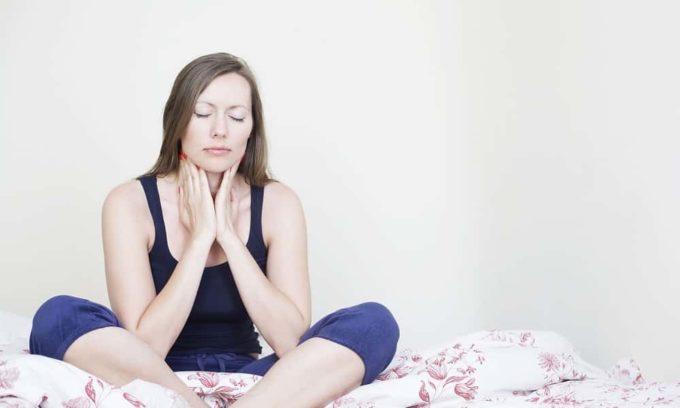 Сильные боли в шейном отделе могут свидетельствовать о раке щитовидной железы
