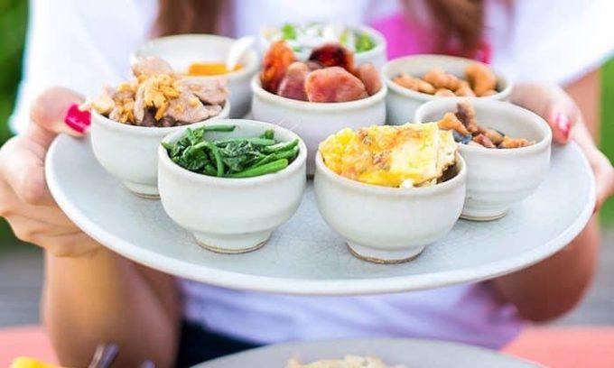 Питание обязательно должно быть дробным, так как после каждого приема пищи происходит активизация работы щитовидной железы