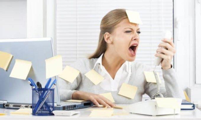 Постоянные стрессы наносят щитовидной железе большой вред