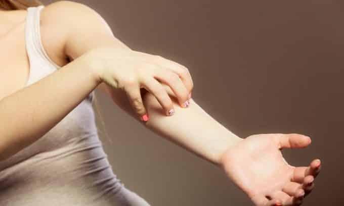 Радиационное облучение не причиняет человеку вреда, только в редких случаях развиваются аллергические реакции