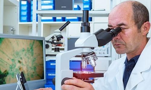 Для диагностики патологических образований щитовидной железы проводится цитологическое и гистологическое исследование биоматериала, полученного при тонкоигольной аспирационной биопсии