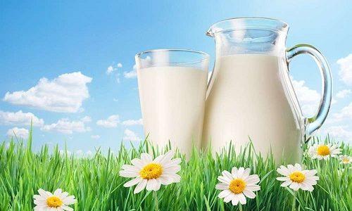 При гипотиреозе лучше употреблять нежирное молоко