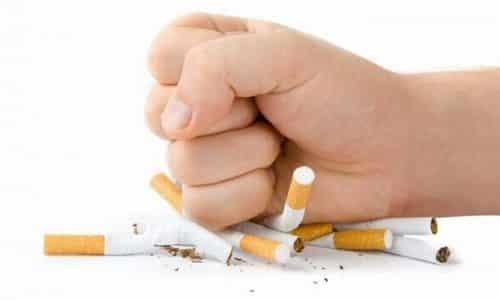 Необходимо отказаться от курения для профилактики эутиреоза щитовидной железы