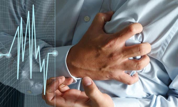 При нарушении сердечного тонуса в лечении больного участвует кардиолог